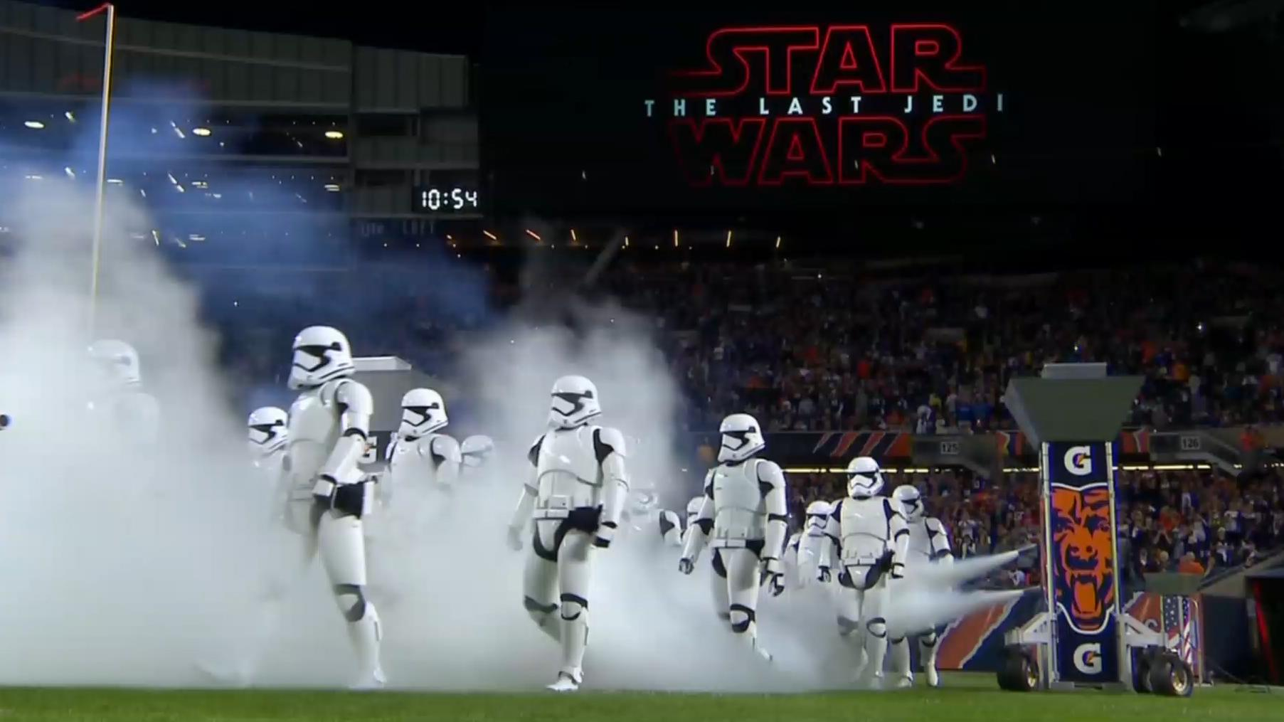 The New Star Wars: The Last Jedi Trailer Has Finally ...