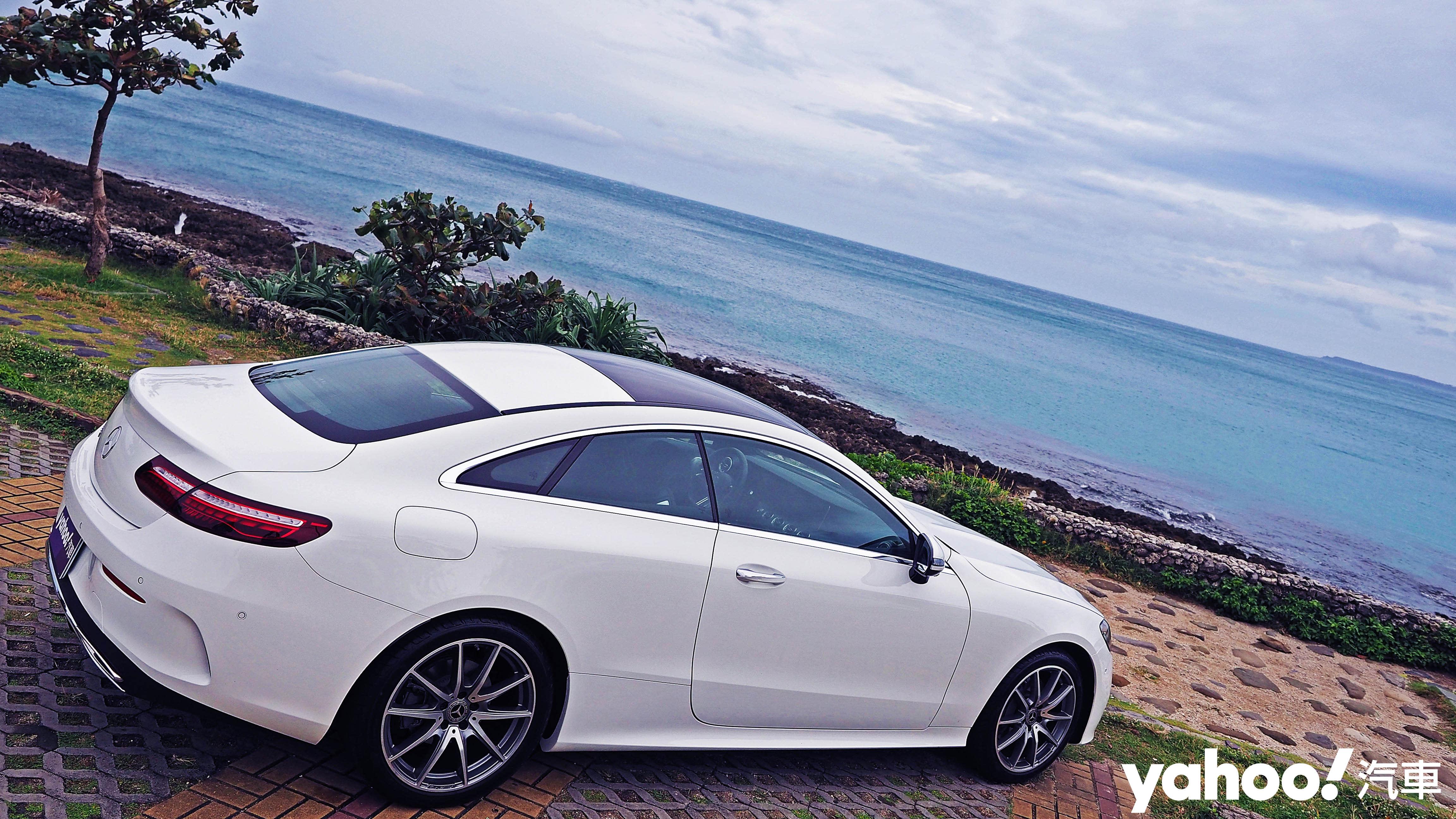 跑格與舒適間的浪漫權衡!2021 Mercede-Benz E-Class E300 Coupé南灣試駕