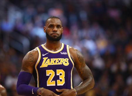 b8b577c0792 LeBron s a winner for Lakers in blowout of Suns