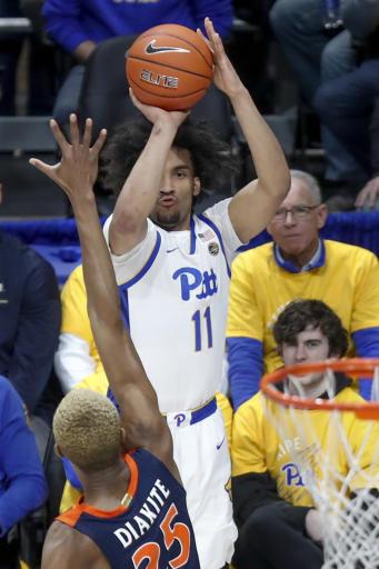 Kihei Clark scores 17 as Virginia holds off Pitt 59-56