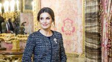 La reina Letizia da cátedra de elegancia y buen vestir empezando el 2019