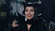 ¡Angelina Jolie se vuelve a poner los cuernos! Mira las primeras imágenes del set de Maléfica 2