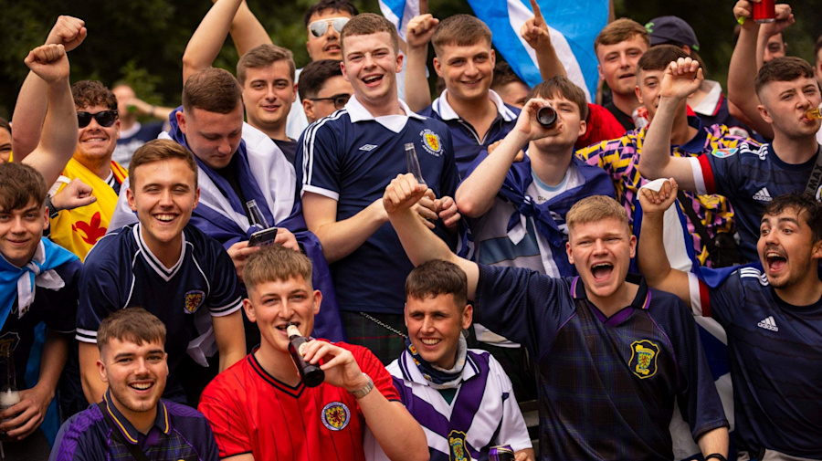 Scotland fans out in force in London ahead of Wembley clash