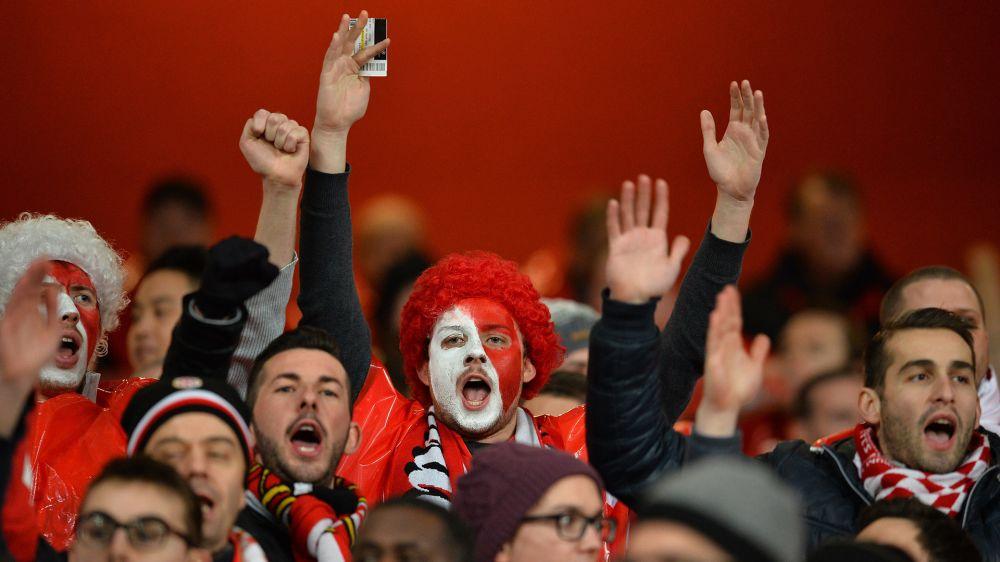 Borussia-Monaco rinviata, il Dortmund offre alloggio ai tifosi francesi