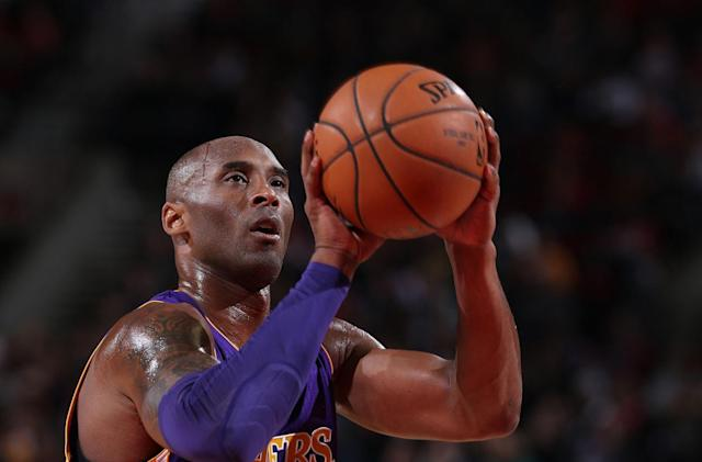 Kobe Bryant decides to announce his retirement online