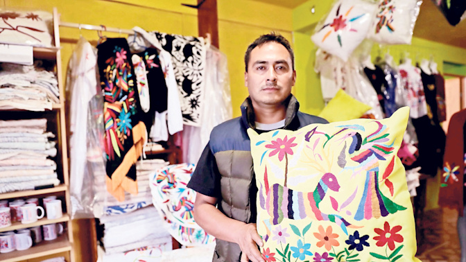 Demandan a Nestlé por piratear obras de artesanos