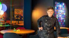 """La chef Viviana Varese: """"Dopo il Covid con la ristorazione non possiamo più fare poesia: siamo in guerra"""""""