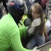 Girl Rescued From Rubble After Earthquake in Italy