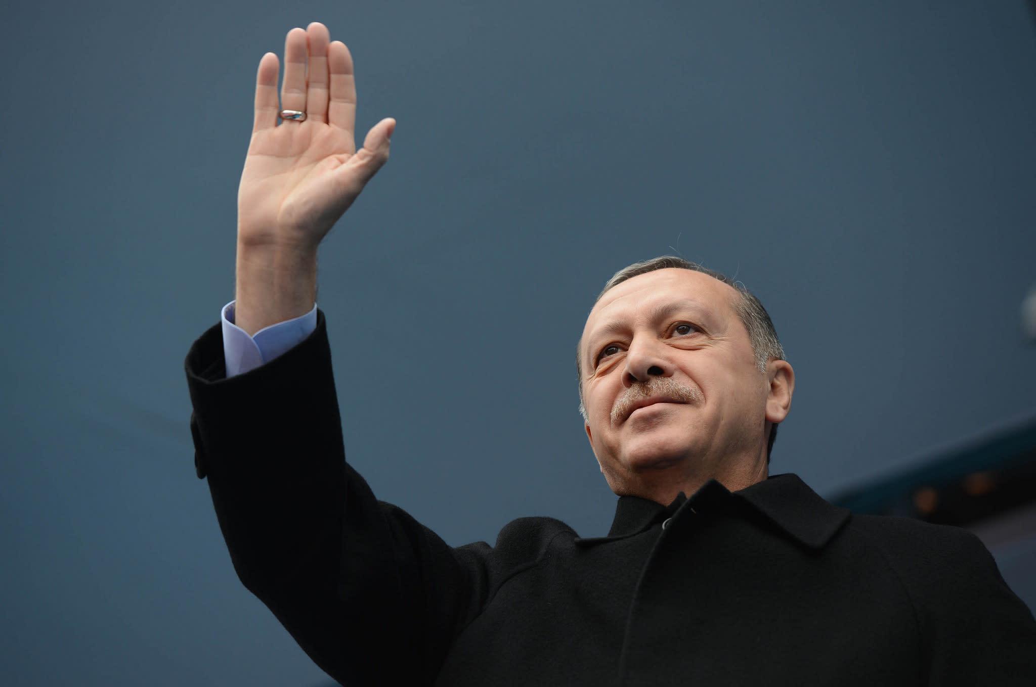 Turkey blocks Facebook, Twitter, WhatsApp after arrest of opposition leaders