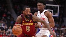 J.R. Smith signs with Lakers, reunites with Cavs teammate LeBron James