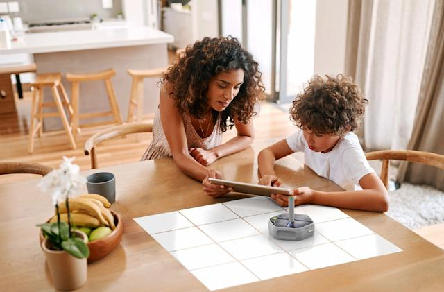 iRobot's Root rt0 is a $129 coding bot for kids and curious adults