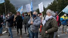 Nueva marcha y reclamos al gobierno nacional por la ocupación mapuche en Villa Mascardi