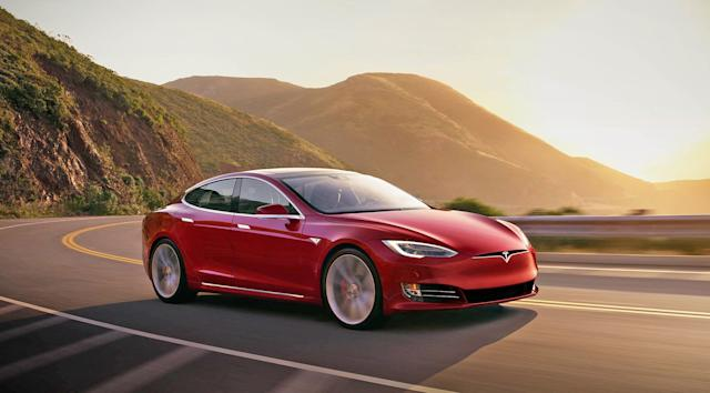 Tesla Model S officially breaks the 400 mile EPA range barrier