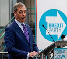 Farage's Brexit Party to Trounce May, Sporting Index Says