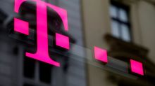 T-Mobile gains 1 million phone customers in fourth quarter
