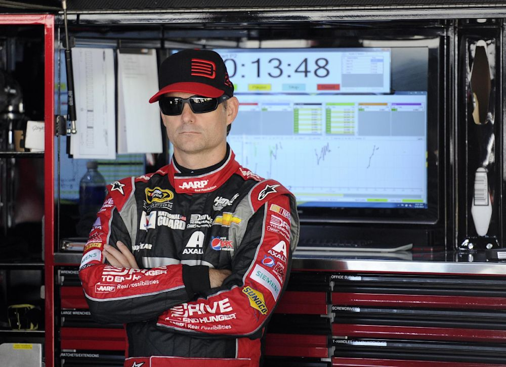 NASCAR's Jeff Gordon could retire over back woes