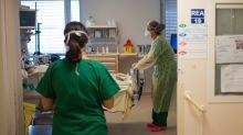 Coronavirus : en réanimation, des exosquelettes viennent soulager le dos des soignants