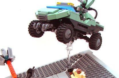 Halo 3's final run captured in LEGO
