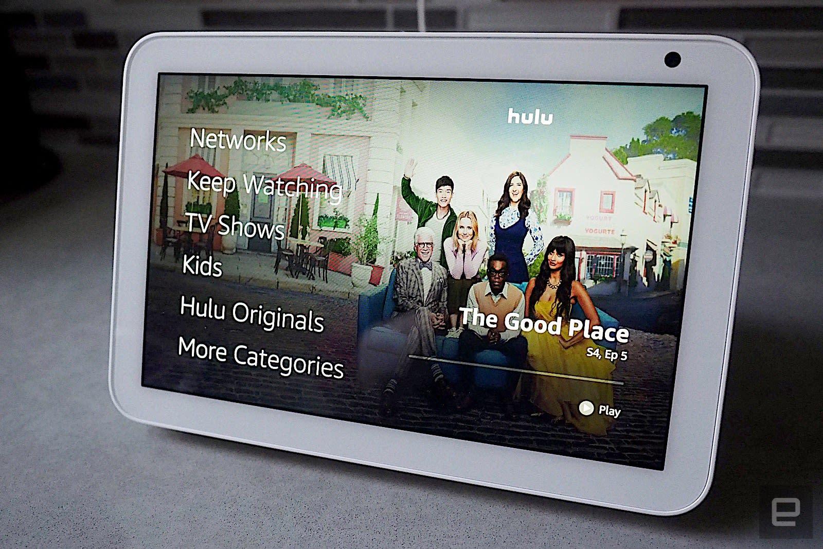 Lenovo Smart Display 7 vs Amazon Echo Show 8