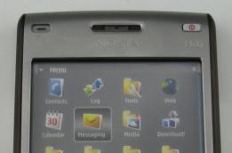 Nokia's E61i, up close and shiny