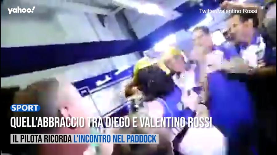 Quell'abbraccio tra Diego e Valentino Rossi