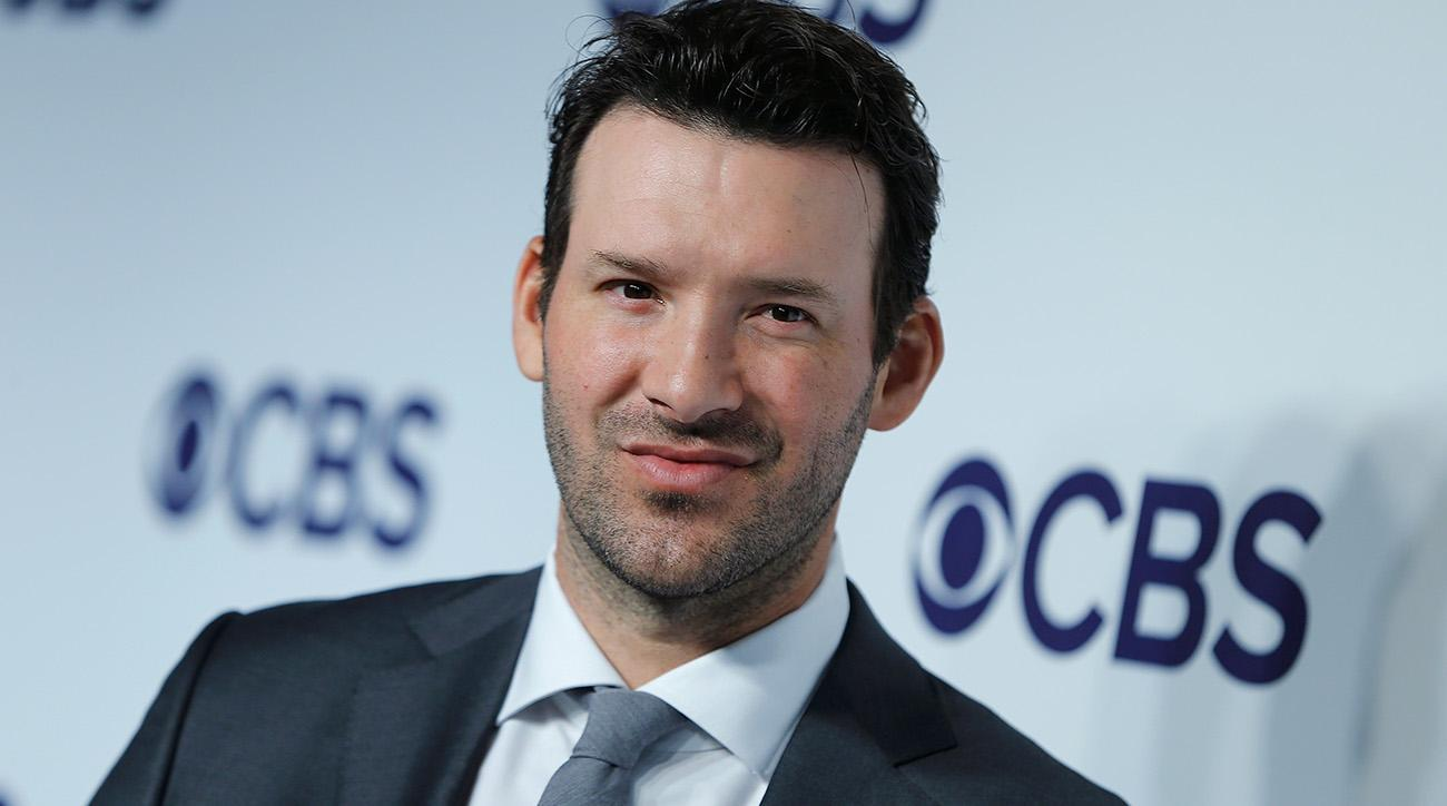 Tony Romo performs well in his CBS broadcast debut