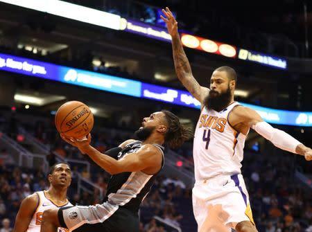 15d22f9ce69 FILE PHOTO: NBA: San Antonio Spurs at Phoenix Suns