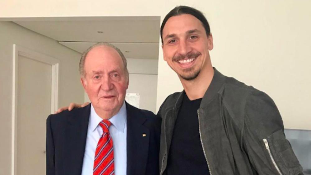 """L'umiltà di Ibrahimovic con Juan Carlos: """"Un Re riconosce un altro Re"""""""