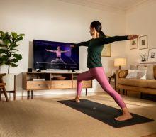 Apple Plans Virtual Fitness Classes to Take on Peloton