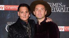 Jude Law apoya a Warner en su decisión de alejar a Johnny Depp de 'Animales fantásticos'