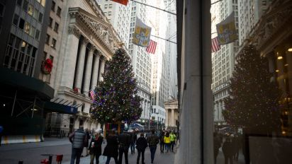 Holiday slowdown called off for muni-bond deals