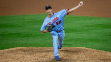 AP source: Twins, closer Rogers agree to $6 million contract