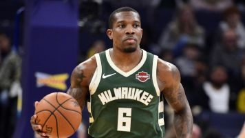 Bucks' Eric Bledsoe out 2 weeks with leg injury