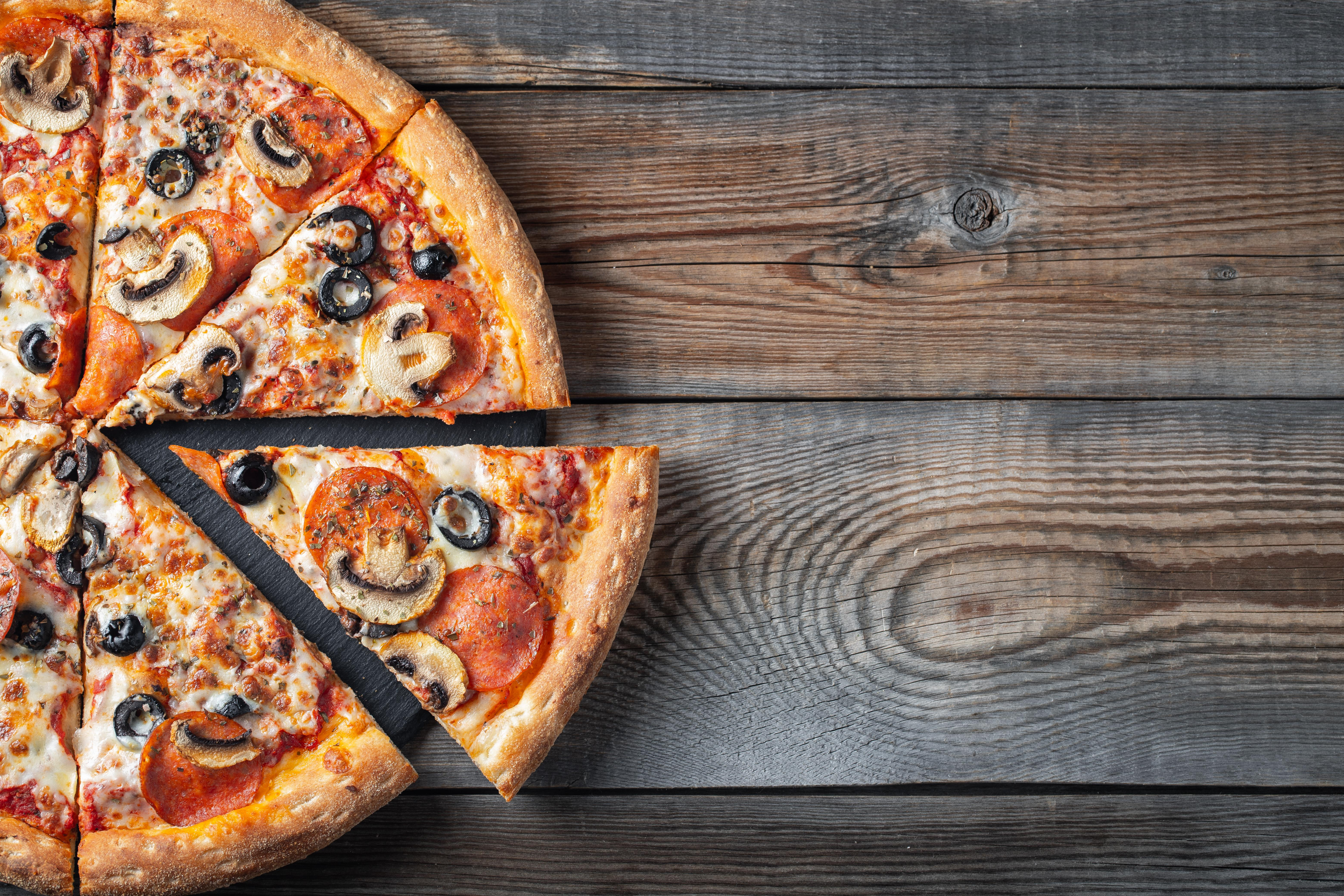 Magst Du Wurst Zu Deiner Pizza?