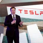 No coronavirus risk to Tesla's Elon Musk after meeting with Oklahoma governor: spokesman