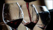 Winzer in Frankreich machen übrig gebliebenen Wein zu Desinfektionsmittel