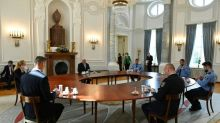 Steinmeier würdigt Polizei-Einsatz vor Reichstag und fordert Distanz nach rechts