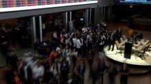 Ibovespa fecha em queda liderada por ações da Eletrobras; Petrobras atenua perdas