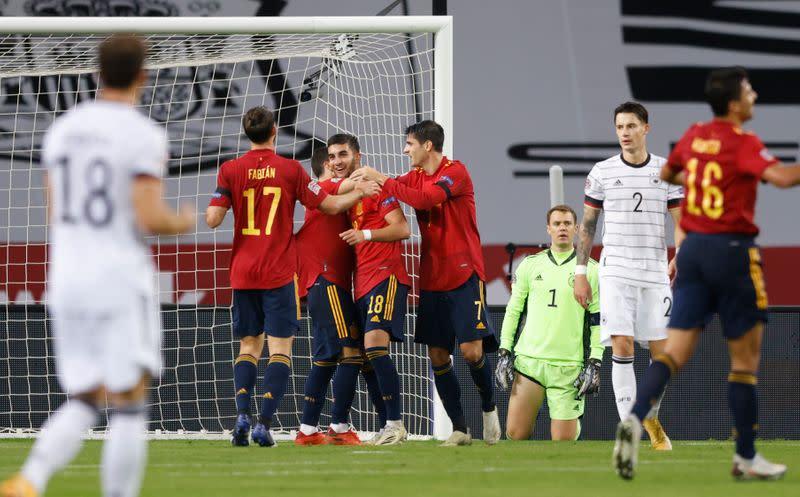 España aplasta 6-0 a Alemania para alcanzar la ronda final de la Liga de  Naciones