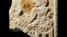 Britain to return looted 4,000-year-old plaque to Iraq