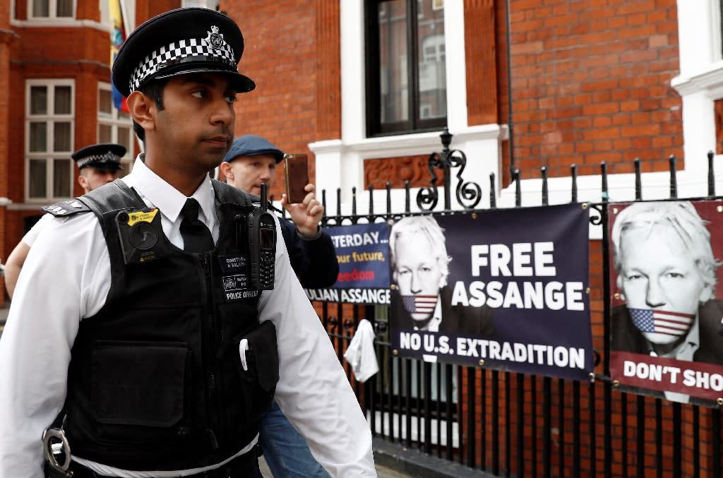 Protest Against Seizure Of Assange U0026 39 S Belongings