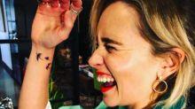 Sophie Turner, Maisie Williams y ahora Emilia Clarke: todas tienen ya su tatuaje de 'Juego de tronos'