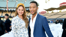 Chrissy Teigen uses breast pump en route to fancy dinner in refreshingly real selfie