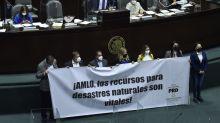 Morena rechaza más de 350 reservas de la oposición y aprueba extinción de fideicomisos