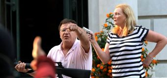 Gov. pardons couple who waved guns at protesters