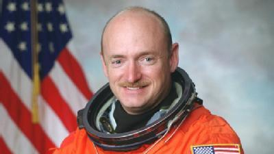 Giffords' Husband Will Head To Space
