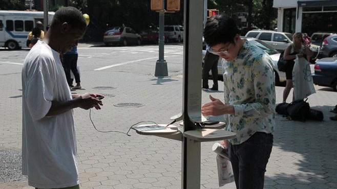 Solar-Powered Cellphone Charging Stations Invade NYC