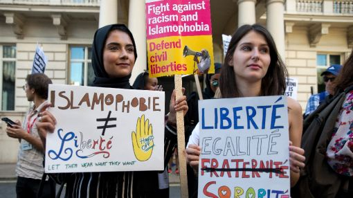 Anti-burkini law would be 'unconstitutional': French minister