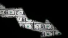 Forex, dollaro sui minimi da un mese dopo dati lavoro deludenti, occhi a commercio
