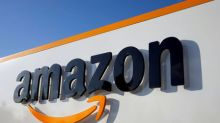 Amazon considering opening up to 3,000 cashierless stores by 2021: Bbg